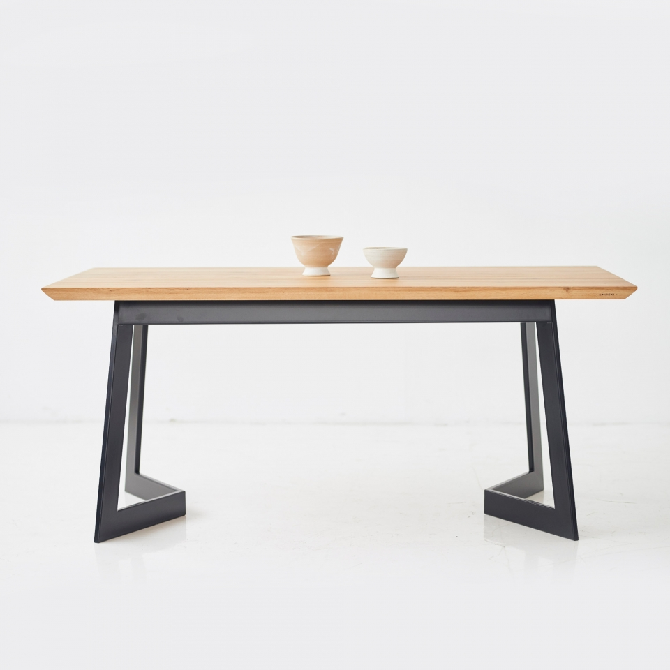 Dining table SM003