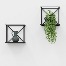 Porcelain vase with gold